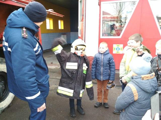 Маленькі волиняни завітали на екскурсію до рятувальників