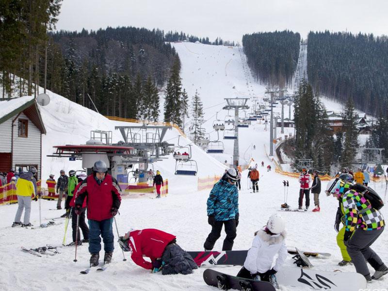 «Укрпошта» відкрила нове відділення у найбільшому гірськолижному курорті України