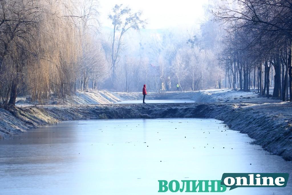 Морозний ранок у Луцьку. ФОТОРЕПОРТАЖ