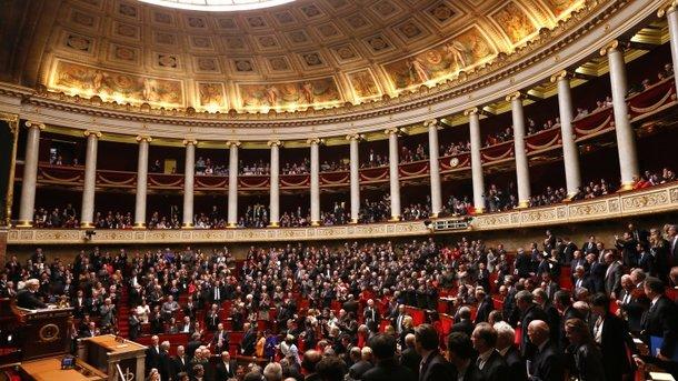 У Франції схвалюють революційний закон, що дає громадянам право на помилку