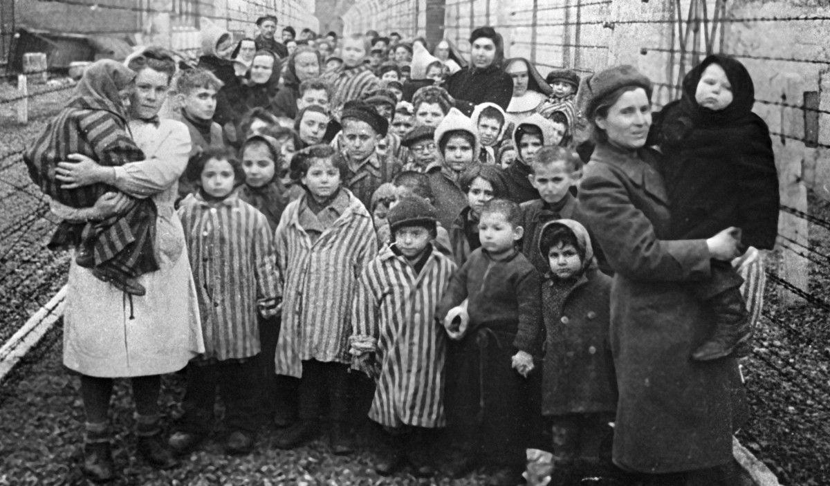 У Польщі криміналізували будь-які згадки про польські злочини в часи Голокосту