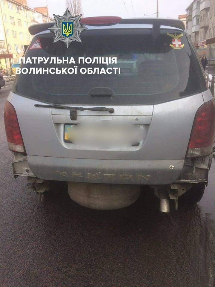 У Луцьку виявили автомобілі з ознаками підробки документів