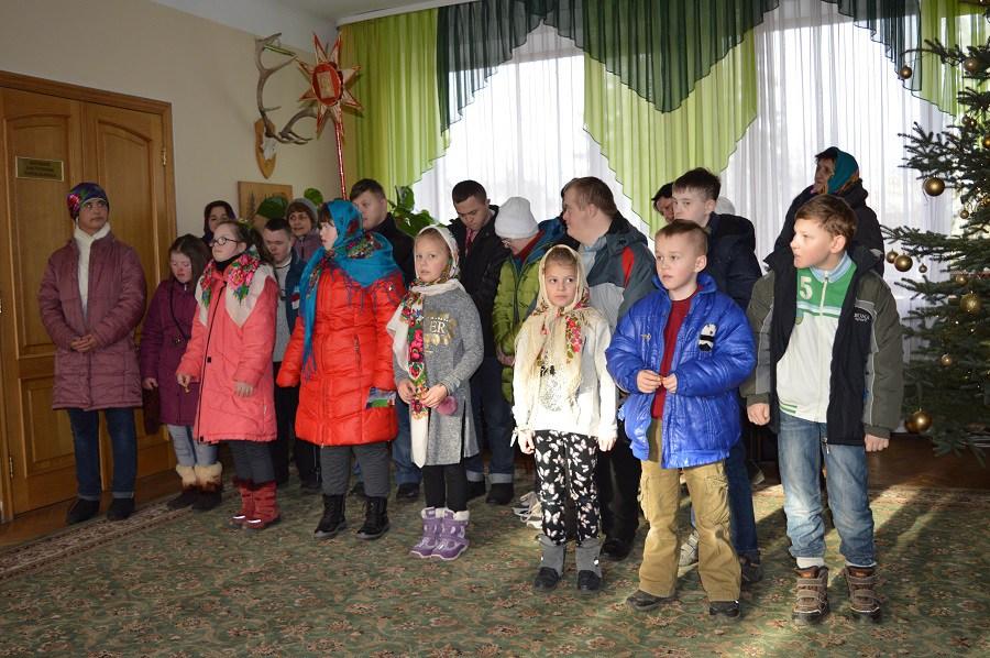 Діти сонця привітати волинських лісівників із зимовими святами. ФОТО