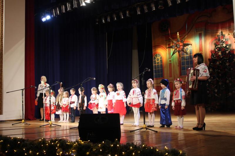 У Луцьку триває фестиваль «Різдвяні піснеспіви». ФОТО
