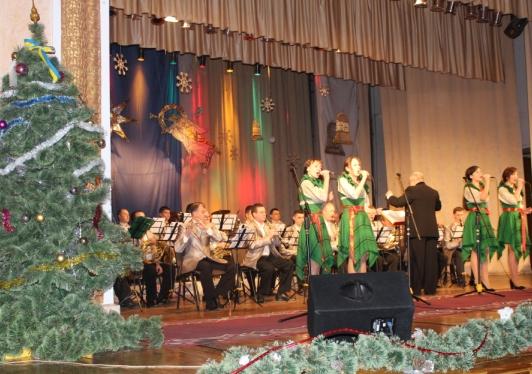 Лучан та гостей міста запрошують на новорічно-різдвяний концерт