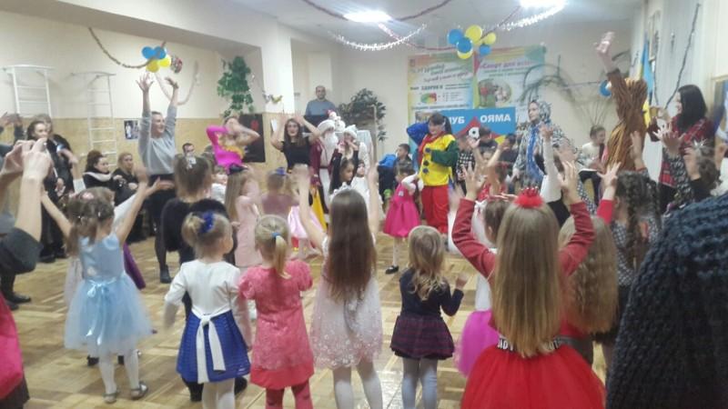У Луцьку для дітей та молоді провели «Новорічні свята спорту». ФОТО