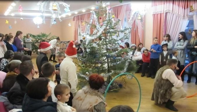 Для дітей волинських лісівників організували новорічне свято. ФОТО