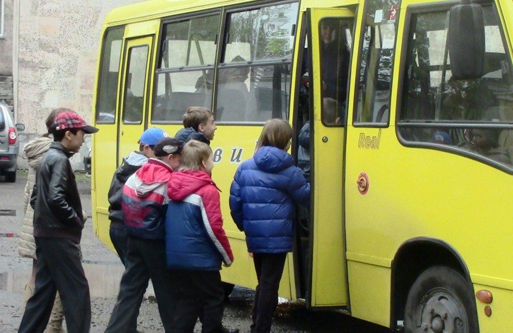 Міськрада на Волині скасувала платне перевезення дітей з багатодітних сімей