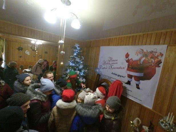 Волинські школярі побували в гостях у волинського Санти. ФОТО