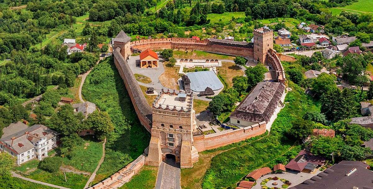 Комерційна фірма просить встановити межі земельної ділянки поблизу Луцького замку