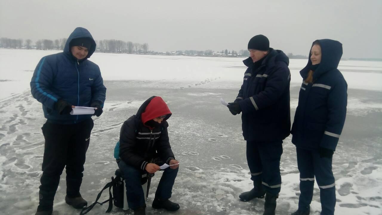 Волинським рибалкам нагадали про небезпеку на льоду