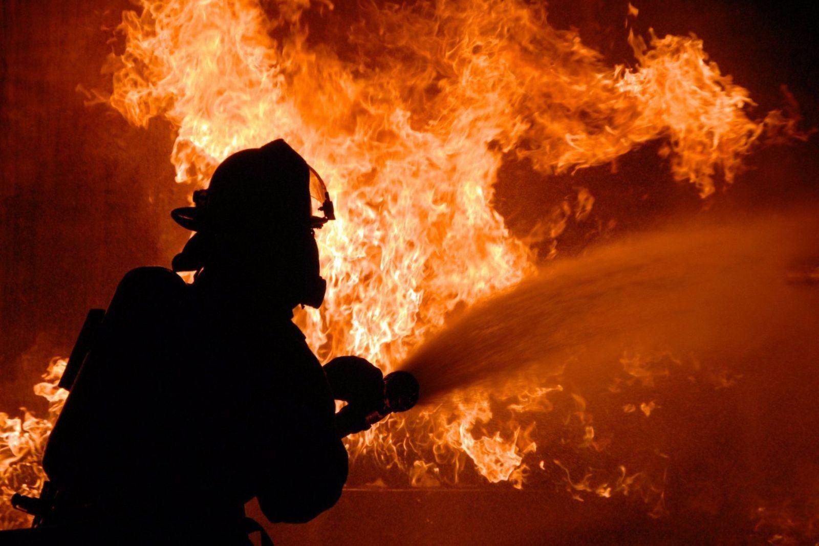 На Волині під час пожежі врятували двоє людей