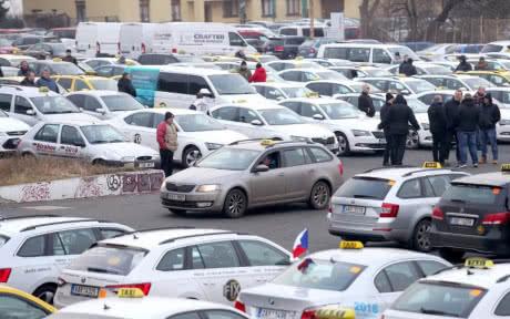 У Чехії відбувся найбільший протест водіїв таксі