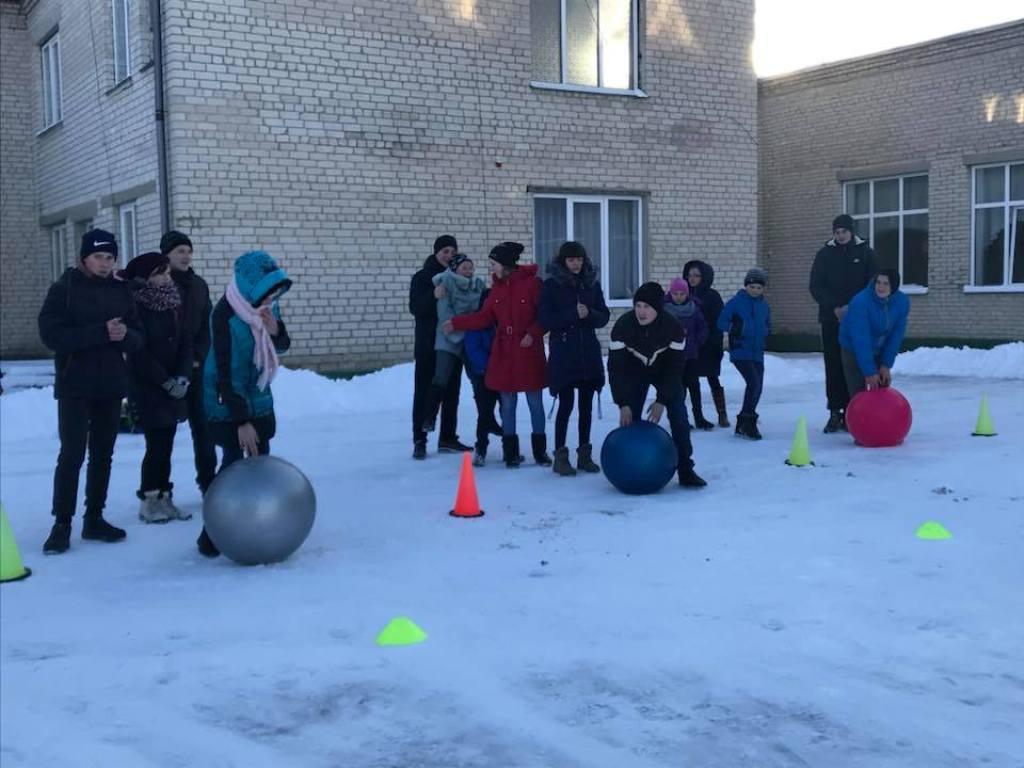 У Луцьку для дітей організували спортивне свято. ФОТО
