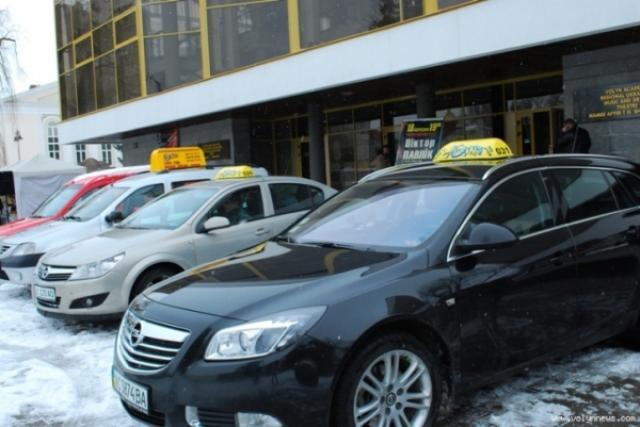 У Луцьку розробили 28 схем стоянок для таксі