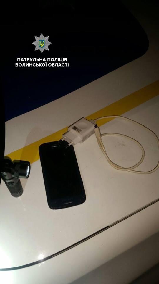 У Ковелі на вокзалі у чоловіка викрали телефон. ВІДЕО