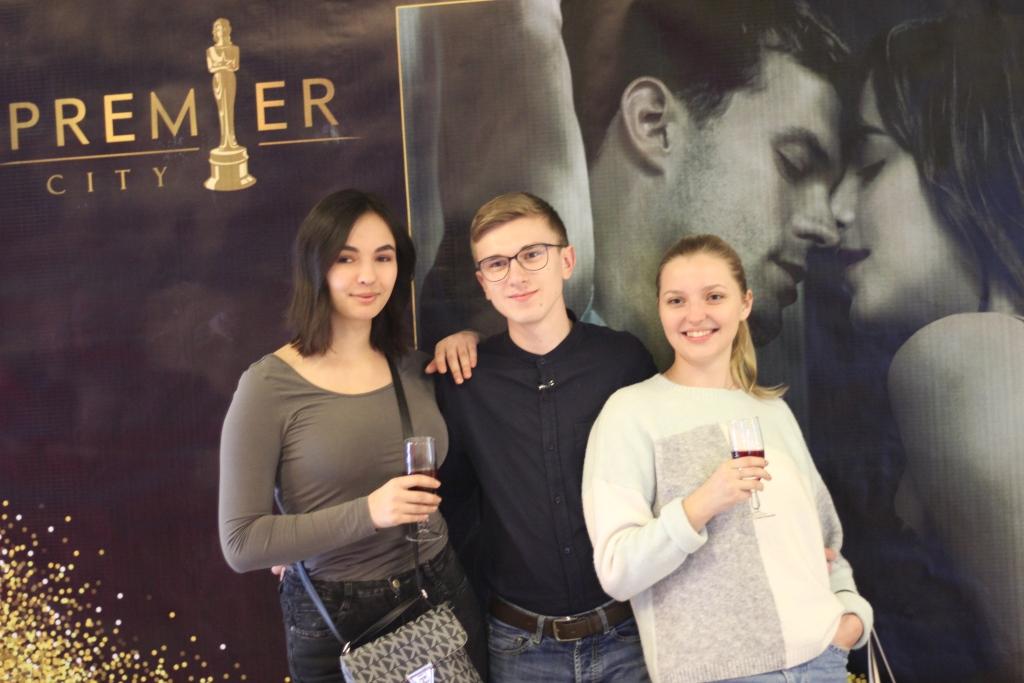 У Луцьку відбувся допрем'єрний показ фільму «50 відтінків свободи». ФОТО