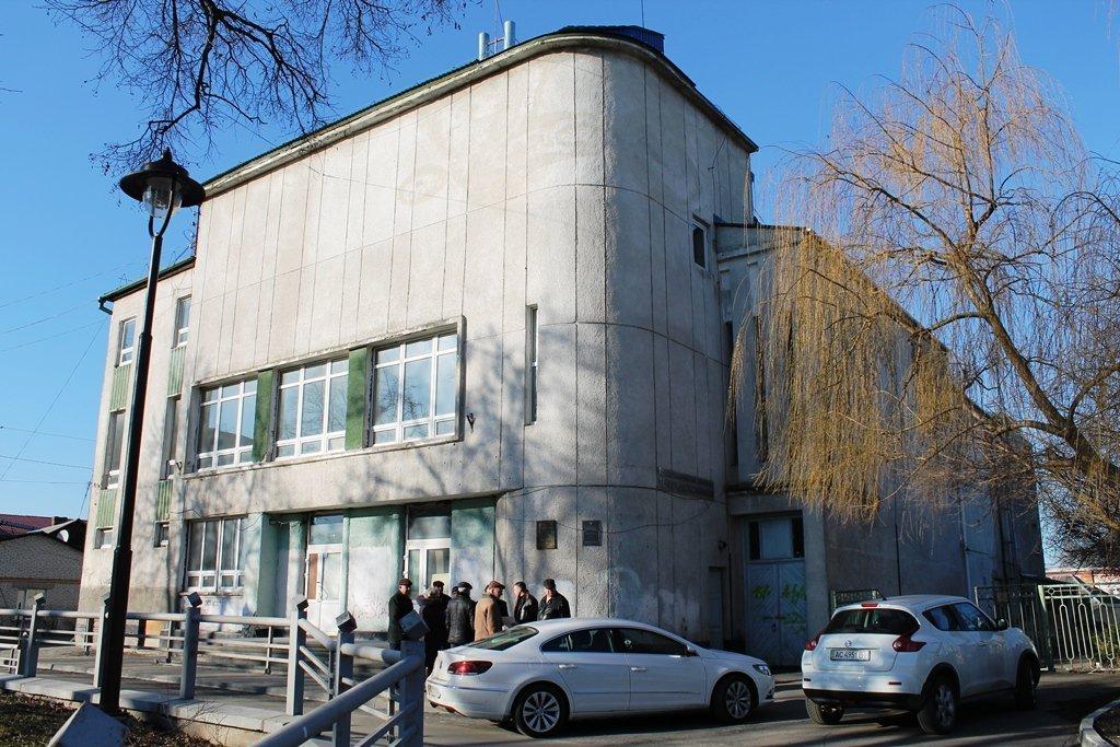 У Луцьку просять не передавати колишній кінотеатр для центру зайнятості