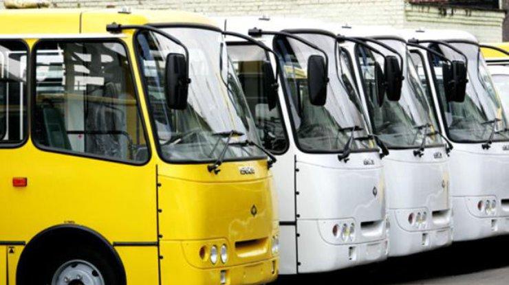 У Луцьку комунальне підприємство відмовилось перевозити пасажирів на двох маршрутах