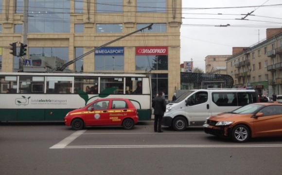 У Луцьку таксисти просять дозволити двосторонній рух на Винниченка