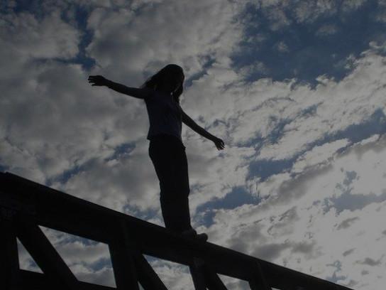 У Луцьку жінка хотіла стрибнути з мосту. ВІДЕО