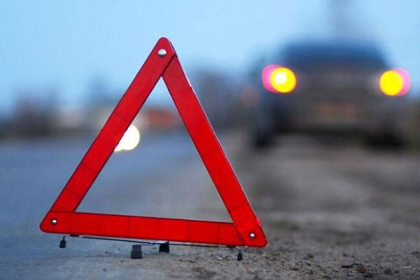 У Луцьку легковик врізався у маршрутне таксі, є постраждалі