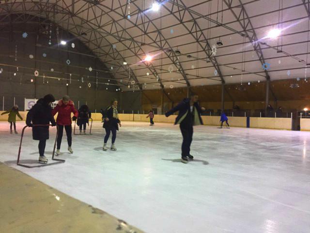 У Луцьку – святкова дискотека на льоду. ФОТО