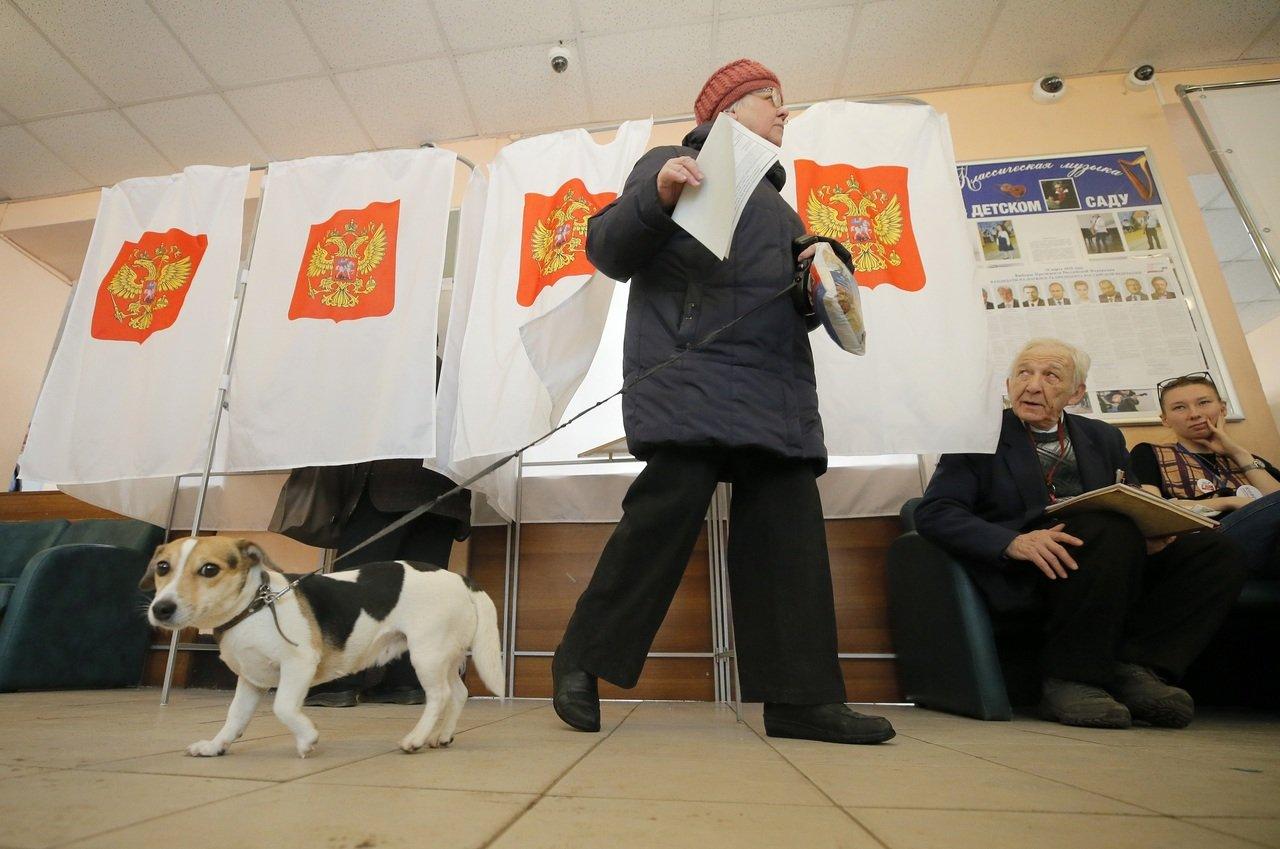 У Росії відбуваються масові порушення на виборчих дільницях. ВІДЕО