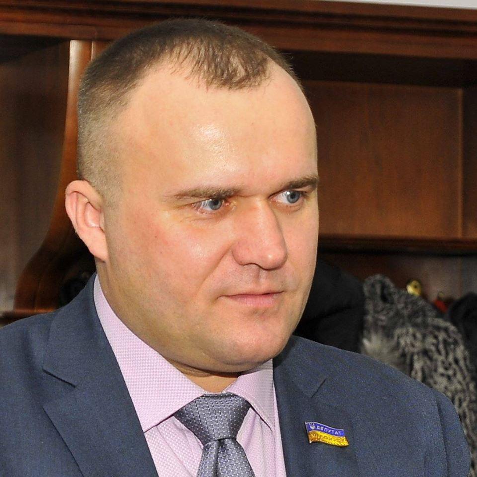 Депутат Луцькради подав скаргу до суду через обшуки фіскалів