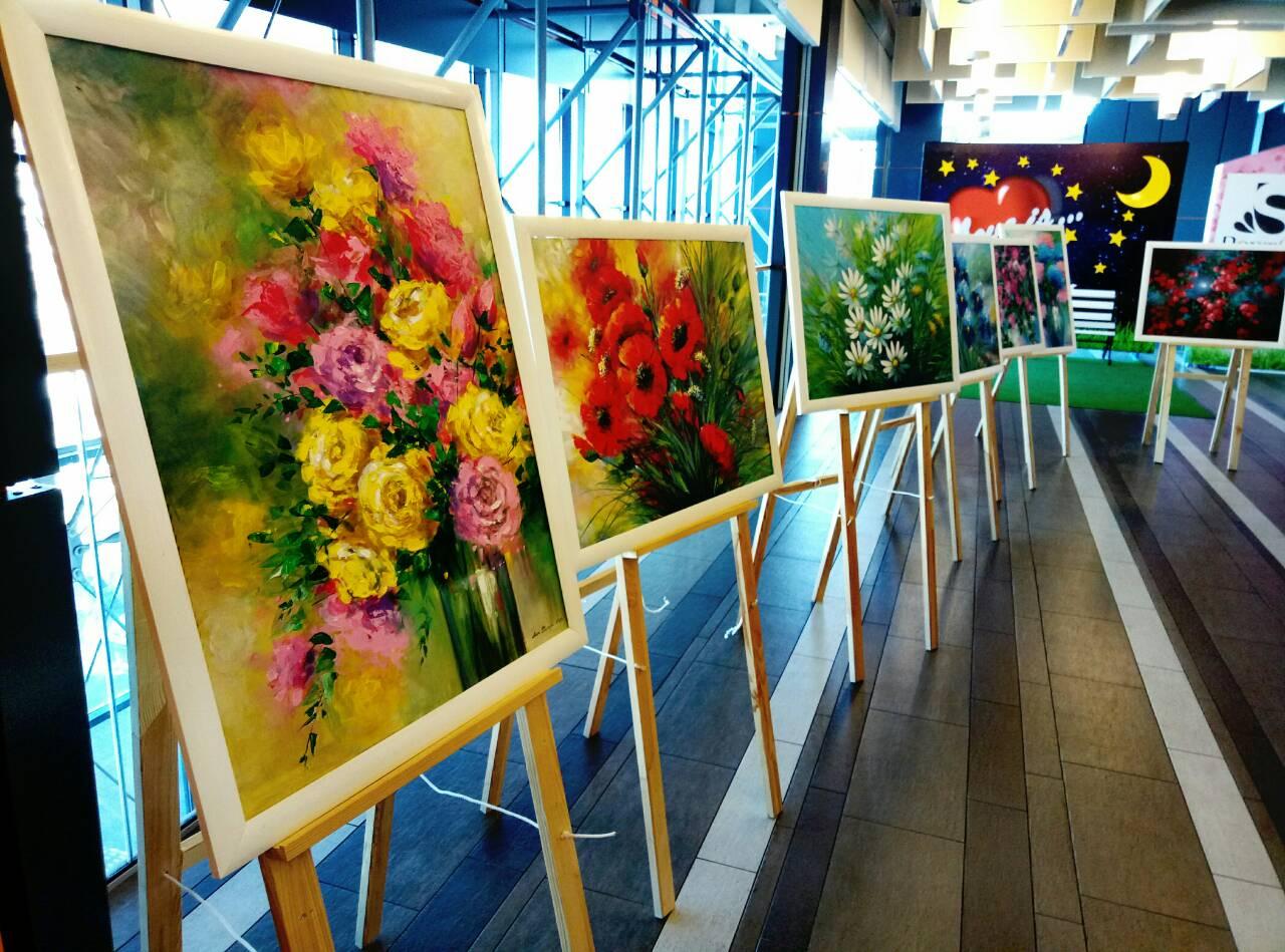 У Луцьку відкрили квіткову виставку. ФОТО
