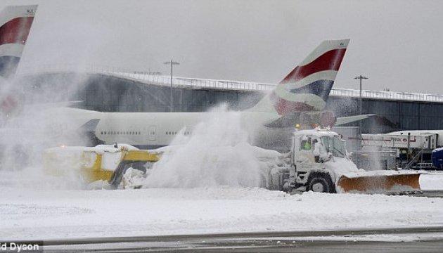 У Лондоні через негоду скасували понад 100 авіарейсів