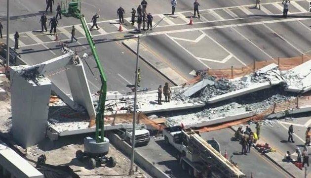 У Маямі обвалився пішохідний міст, є загиблі