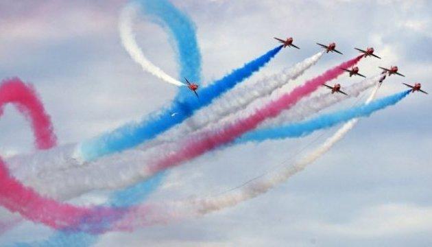 У Британії розбився військовий літак елітної пілотажної групи