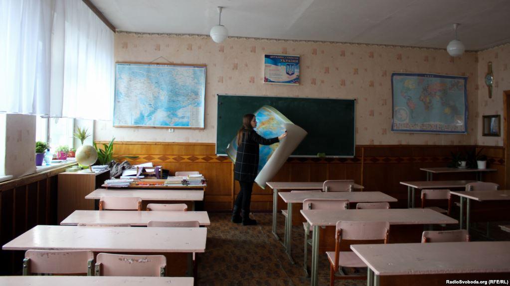 Міносвіти рекомендує закладам освіти припинити навчання до 12 березня
