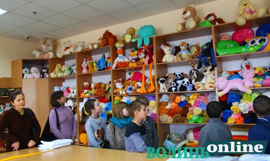 Як виготовляють іграшки європейської якості у селі на Волині
