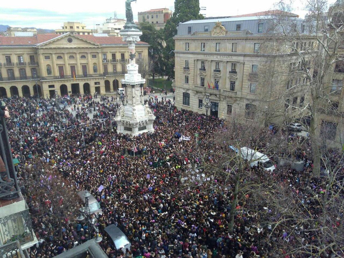 В Іспанії мільйони жінок вийшли на марші за гендерну рівність