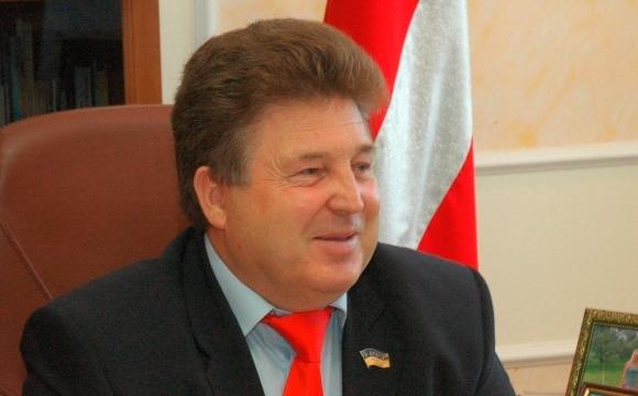 Декларація екс-голови облради: земля, будинок, авто, автобус, чверть мільйона гривень