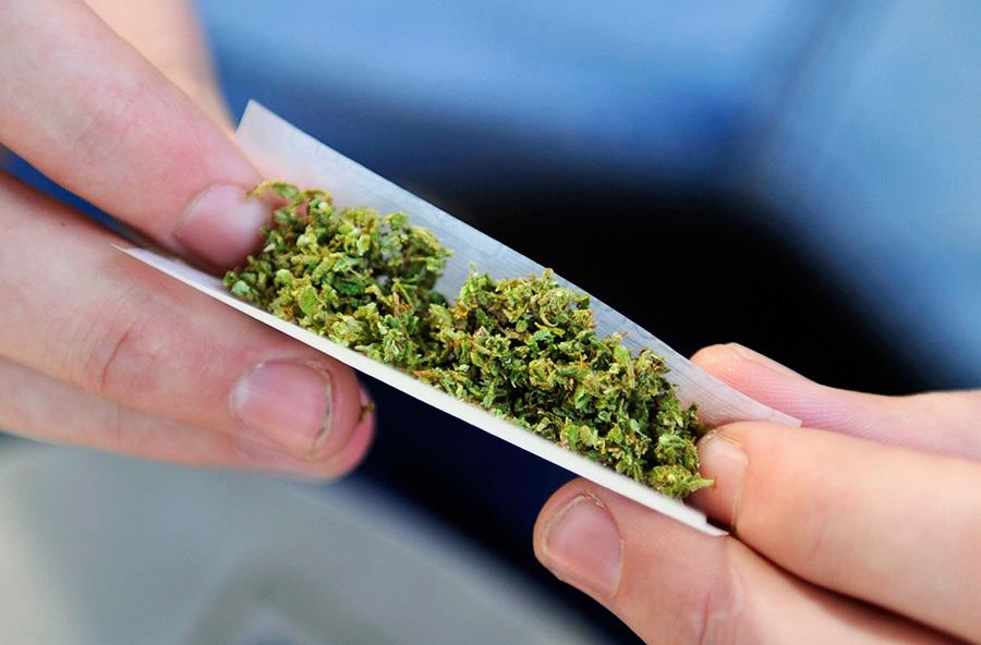 Поліцейські вилучили у волинянина марихуану