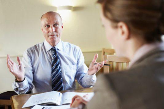 Поради експертів, як говорити з роботодавцем про зарплату