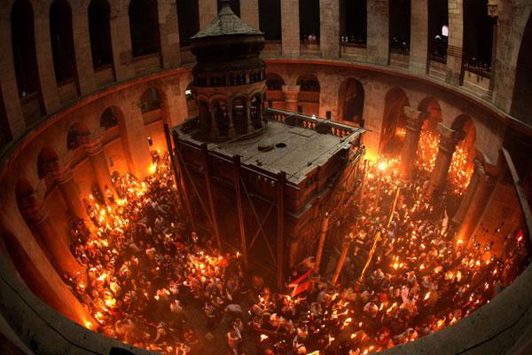 До Луцька вночі привезуть Благодатний вогонь