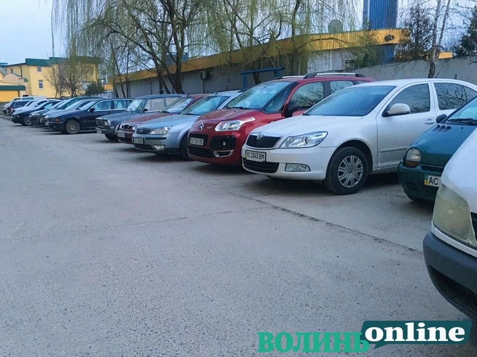Авто з Європи та авто на єврономерах: яка різниця та чому українці ігнорують вітчизняний автопром