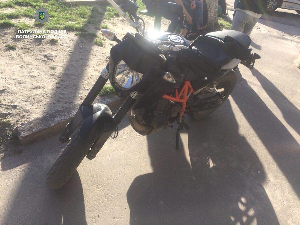 П'яний волинянин на викраденому мотоциклі втікав від патрульних. ФОТО. ВІДЕО