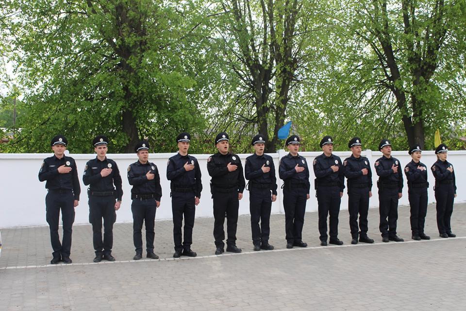 Дев'ять охоронців порядку поповнили лави волинських патрульних. ФОТО