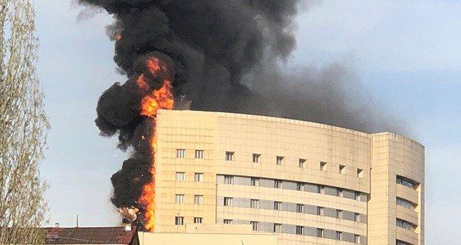 У Стамбулі загорівся багатоповерховий шпиталь