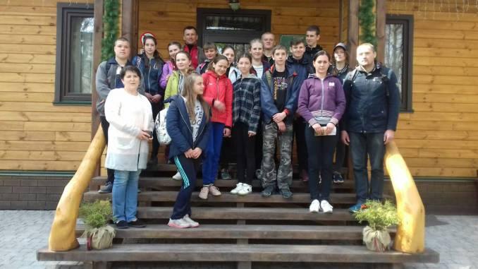 Лісівничий молодіжний центр Волині відвідали діти з Рівненщини. ФОТО