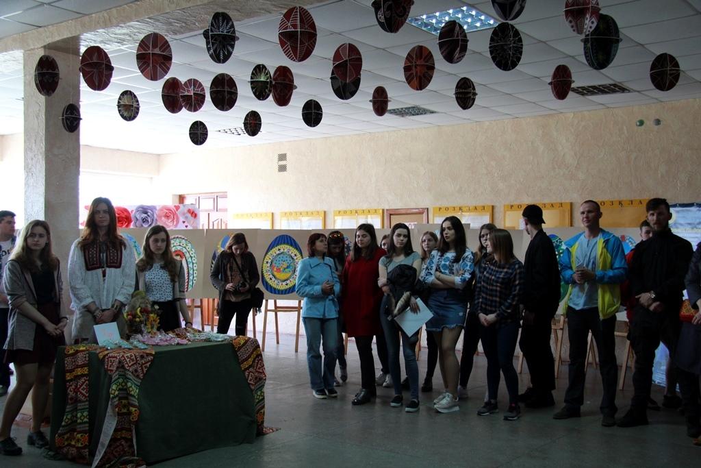 Виставки, презентації та благодійність: у Луцькому НТУ відзначили 10-ту річницю статусу національного. ФОТО