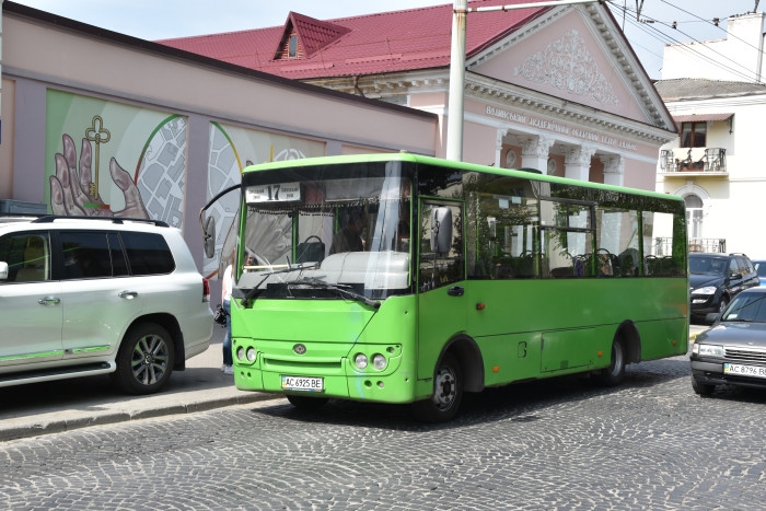 У Луцьку автобусний маршрут № 17 оснастили квитковими валідаторами. ФОТО