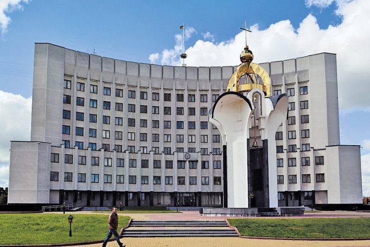 Депутат Волиньради поскаржився, що рік не може потрапити до голови облради