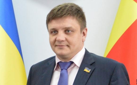 Депутат Луцькради має фірми та дружину-мільйонерку з кілограмом золота