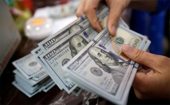 Волиняни отримують з-за кордону у вісім разів більше грошей, ніж відправляють